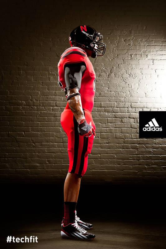 Nebraska Alternate Uniforms Against Wisconsin Side