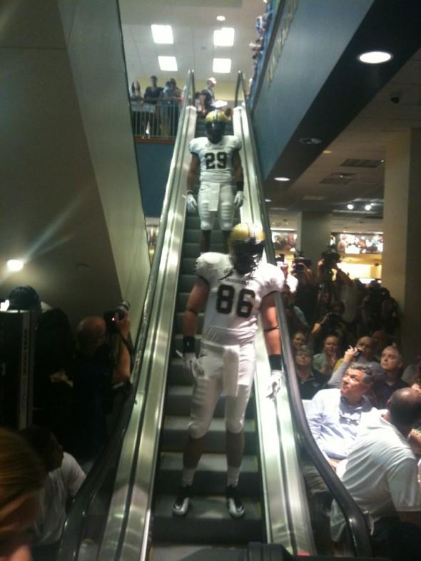 Vanderbilt Commodores New Uniform 2012 gold white white