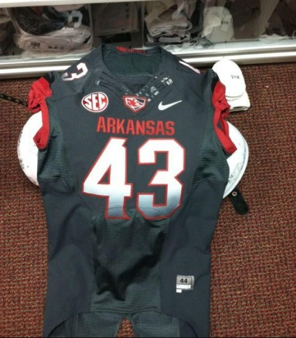 arkansas razorback new uniforms 2012