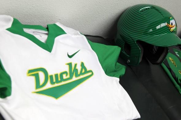huge selection of f4796 46770 Oregon Ducks Softball Unveils 5 New Nike Uniforms | Chris ...
