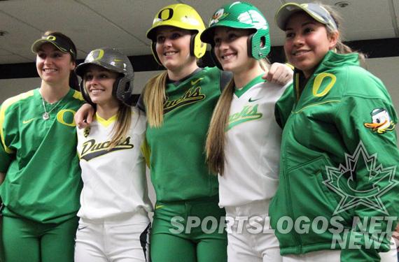 huge selection of a9a3b 95683 Oregon Ducks Softball Unveils 5 New Nike Uniforms | Chris ...