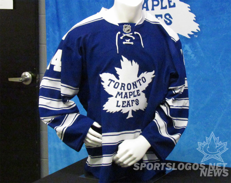Toronto Maple Leafs 2014 NHL Winter Classic Jersey (Photo: Clark Rasmussen/SportsLogos.Net)